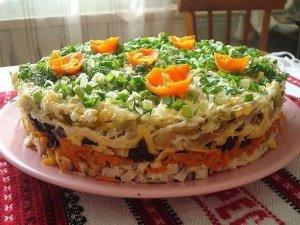 слоёный салат с черносливом ночка фото