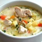 Нежнейший сырный суп с курицей