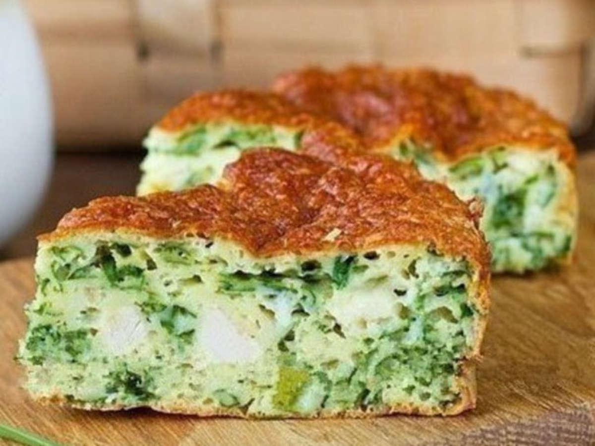 Безумно вкусно-нежный пирог с зеленым луком, курицей и сырной корочкой.