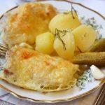 Мой дежурный рецепт! Пол часа и ужин готов! Куриные окорочка запеченные с сыром моим домашним очень по душе!