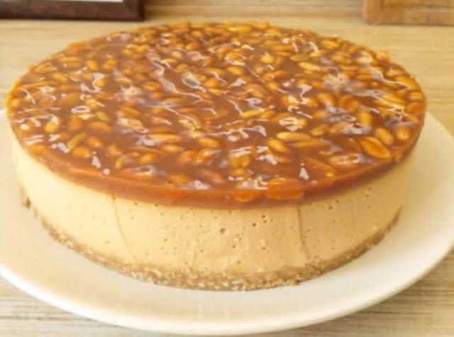 Вкусный карамельный торт без выпечки. Его вкус понравится даже привередам.
