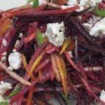 5 вкусных салатов из свёклы для тех, кому надоели шуба и винегрет