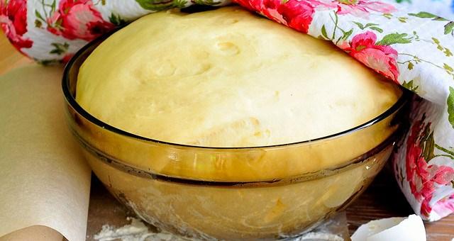 Вы когда нибудь готовили тесто для пирожков за 5 минут? Рецепт рассчитан для тех кто не хочет возится с тестом!