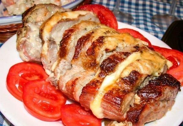 Мясо, запечённое с сыром