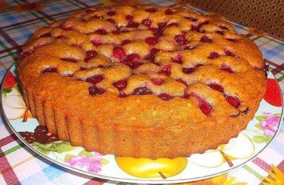 Продукты для этого пирога, найдутся в каждом доме.