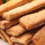 Вкусное, слоистое, просто необыкновенное домашнее печенье никого не оставит равнодушным. Быстро готовится и без заморочек.