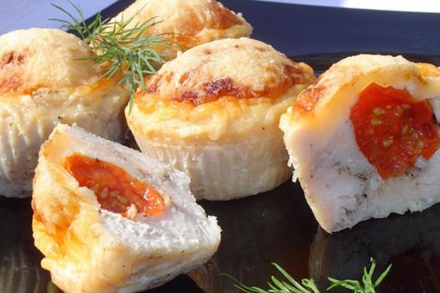 Рулладини Быстрое в приготовлении блюдо, очень сочное, нежное, вкусное, а сочетание помидоров, сыра и курочки покорит любого!