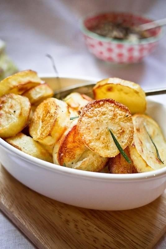 Запеченная картошка по рецепту Джейми Оливера. Приготовьте такую вкусняшу и Ваши гости останутся довольны
