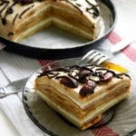 Блинный торт с творожным кремом получился такой вкусный! Ммм... Точно пальчики оближешь!