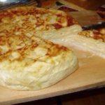 Хачапури из армянского лаваша в мультиварке — идеальное блюдо для завтрака.