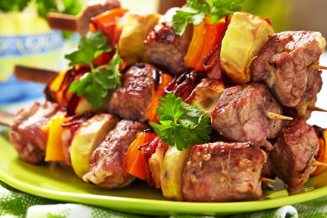 Готовимся к походам на природу! Фантастически мягкое мясо на шашлыки за пол часа! 3 способа!