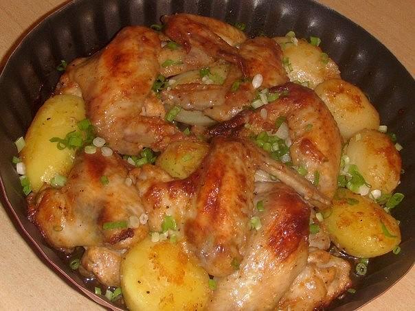 Крылышки с картошкой - вкуснее не бывает