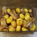 Кумушка поделилась рецептом самого удачного маринада! И картофель, и мясо просто идеальные!