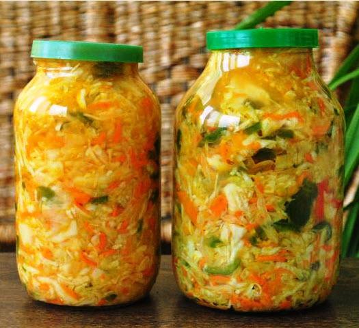 Рекомендую приготовить салат из капусты, очень полезный и вкусный, отличная закука.