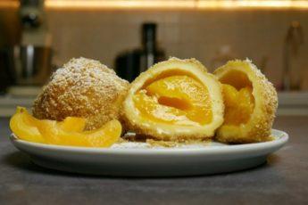 Заворачиваю абрикосы в тесто и варю 15 минут. Быстро и очень вкусно 1