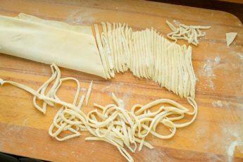 Рецепт вкусной лапши в домашних условиях 1
